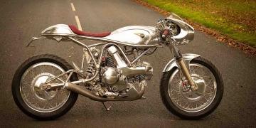 Jim Alonze convierte esta Ducati 750 en una obra maestra de titanio