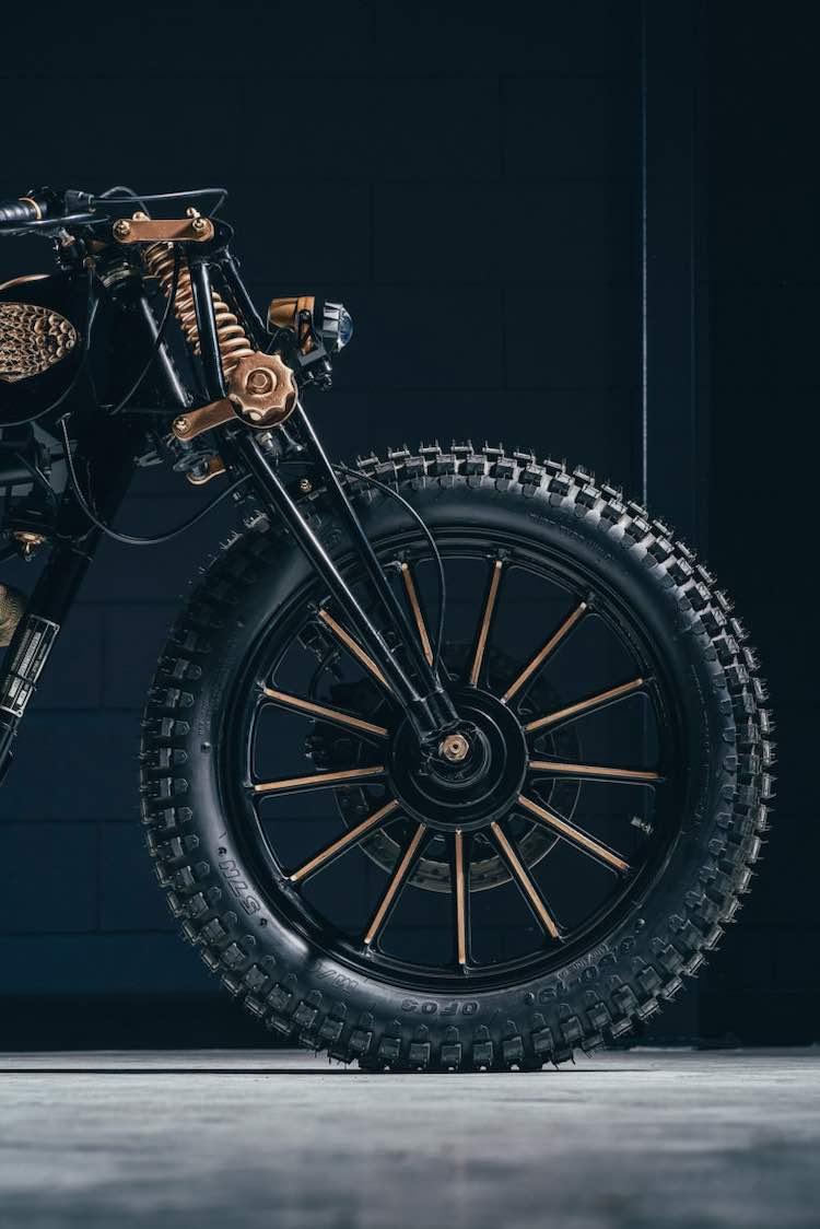 Esta poderosa motocicleta personalizada de GDesign té dejará boquiabierto.