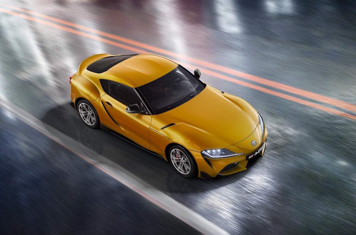 La quinta generación del legendario coche deportivo recibe diferentes novedades, destacando el nuevo motor de gasolina de 2.0 litros.