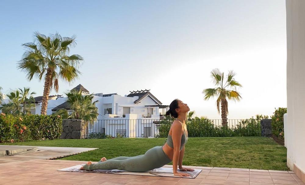 """La parisina de origen vietnamita ha grabado en Tenerife una serie de cuatro capítulos para Studio Online, una """"especie de Netflix del yoga""""."""