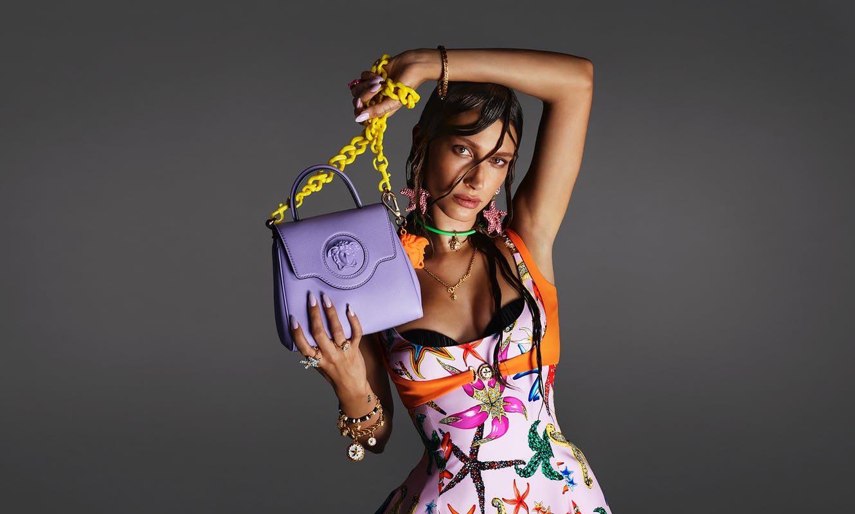Los súper elegantes bolsos La Medusa de Versace están inspirado en la belleza de la naturaleza