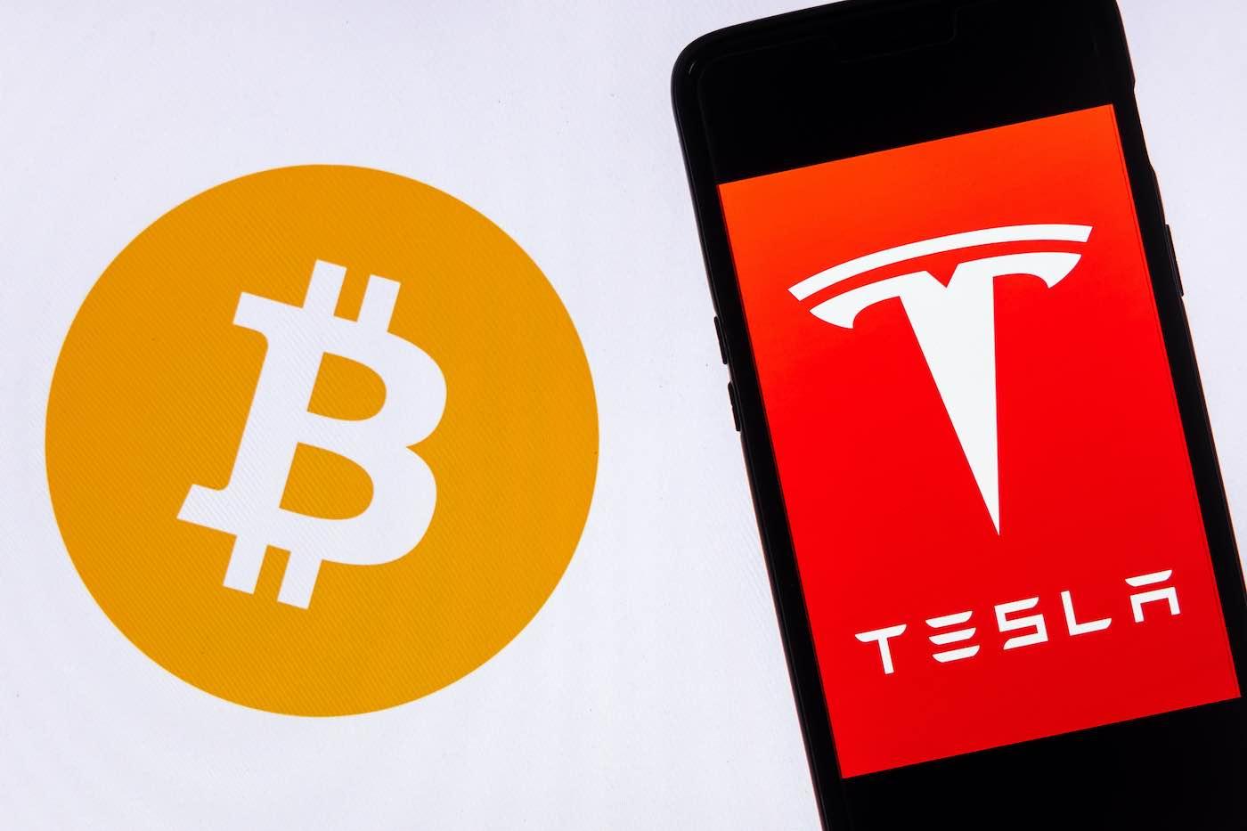 Tesla invirtió $1.500 millones en bitcoins y comenzará a aceptar la criptomoneda como pago