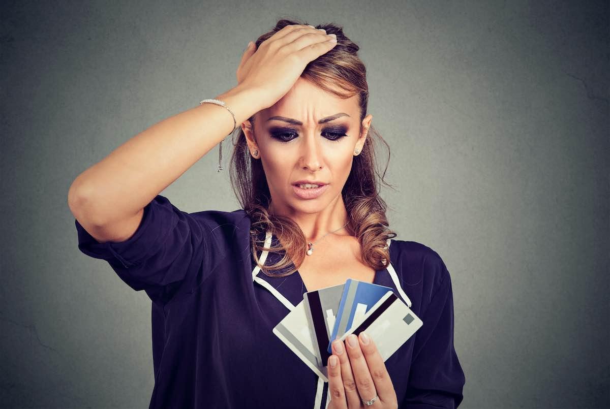 """¿Puedo liquidar las deudas de tarjetas de crédito por mi propia cuenta"""""""