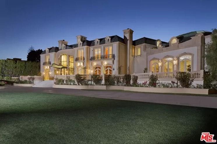 901 N Alpine Dr Beverly Hills, 90210