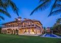 Esta espectacular casa frente al mar en Naples, Florida, está a la venta por 49,5 millones de dólares