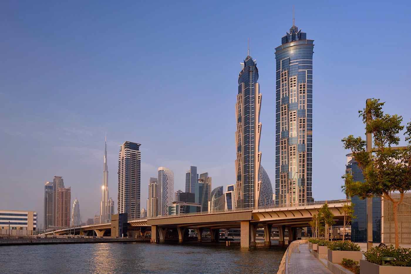 Vuele a Dubai en Emirates y gánese una estancia gratuita de dos noches en uno de los hoteles más altos del mundo.