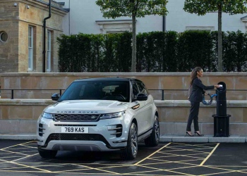 Llegan a España las primeras 21MY híbridas enchufables PHEV de los Range Rover Evoque y Discovery Sport