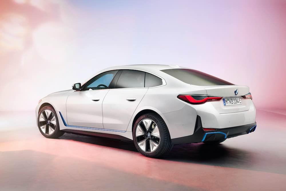 Con una potencia de hasta 390 kW / 530 hp, el coche eléctrico alemán puede acelerar de 0 a 100 km/h en 4 segundos.