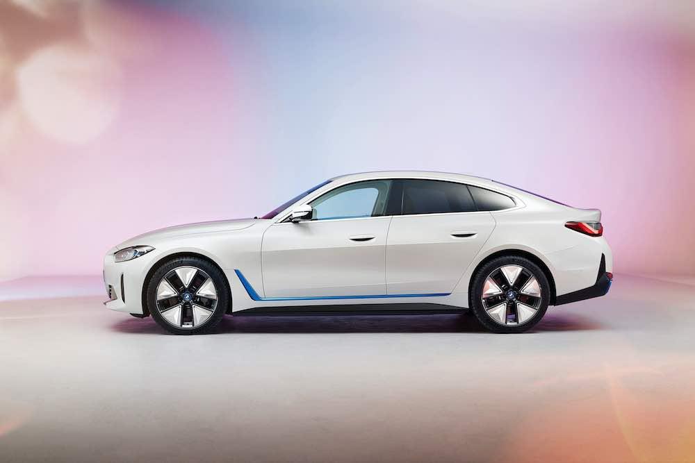 Un vistazo del primer BMW i4 totalmente eléctrico