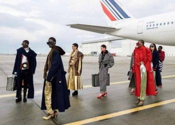 Air France da la bienvenida al desfile de Balmain en sus hangares de mantenimiento