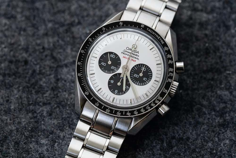 Reloj Omega Speedmaster Professional Apollo XI con Panda Dial