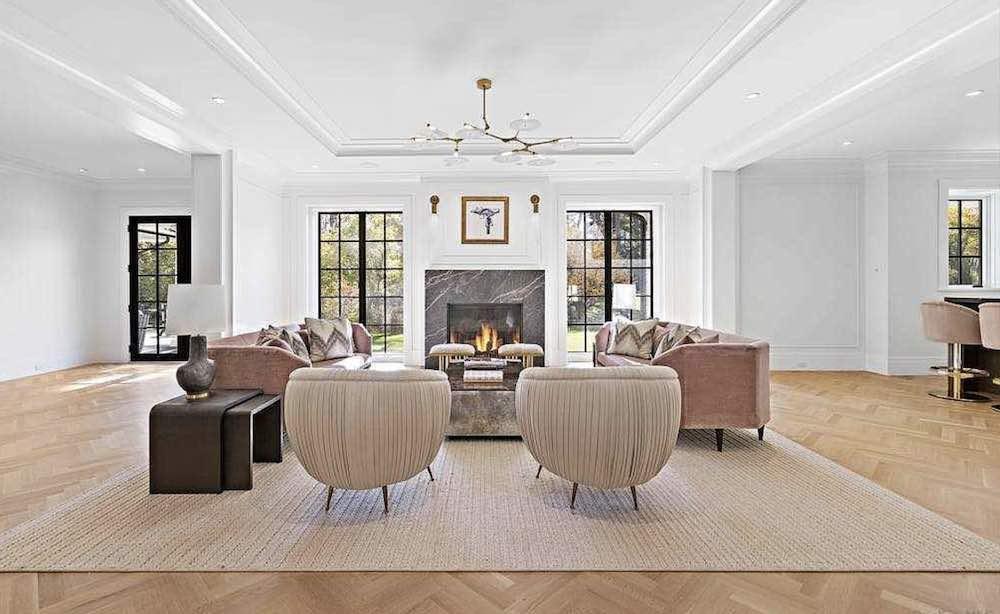 Esta mansión de estilo colonial en Old Westbury, Nueva York sale a la venta por $10 millones