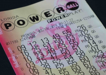Boleto de lotería Powerball en Florida, Estados Unidos.