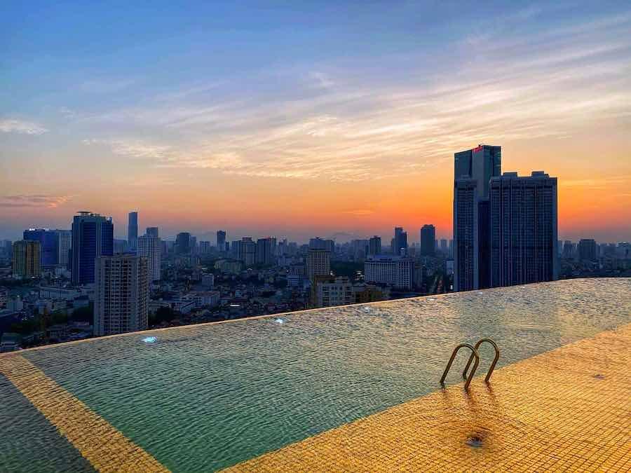 El primer hotel chapado en oro del mundo le espera en Vietnam