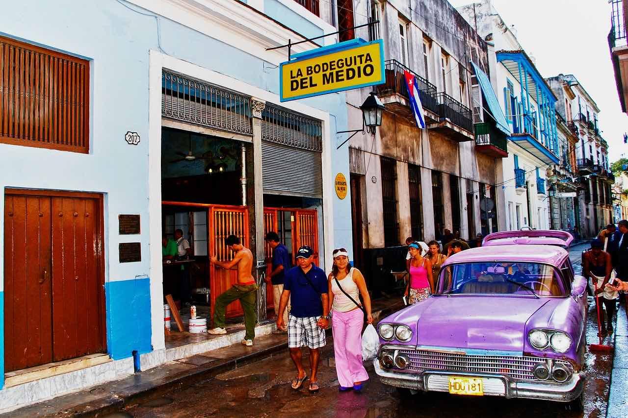 Habana, Cuba - Conduzca un coche clásico por las calles de la Habana.