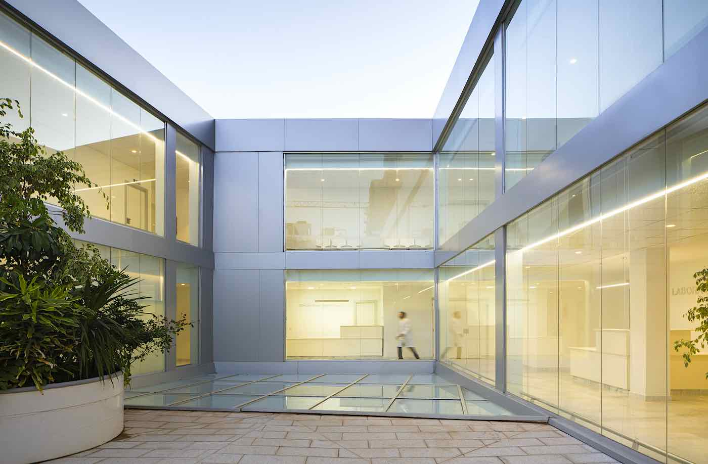 El estudio valenciano Lecoc gana el premio internacional IF Design Award de arquitectura por crear el hospital oncológico de Orán