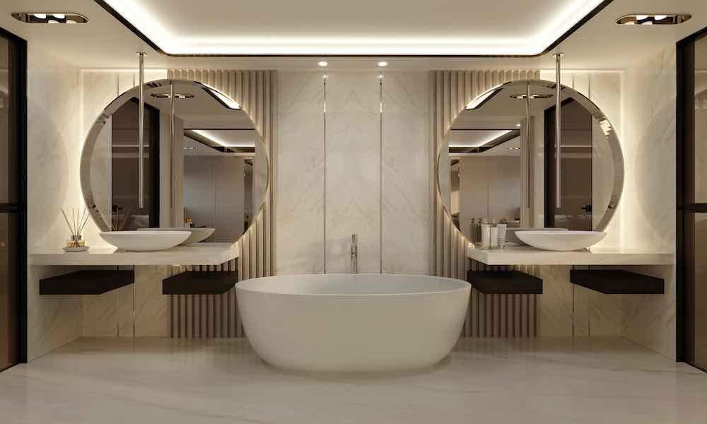 El mármol se utiliza mucho en el baño del propietario.