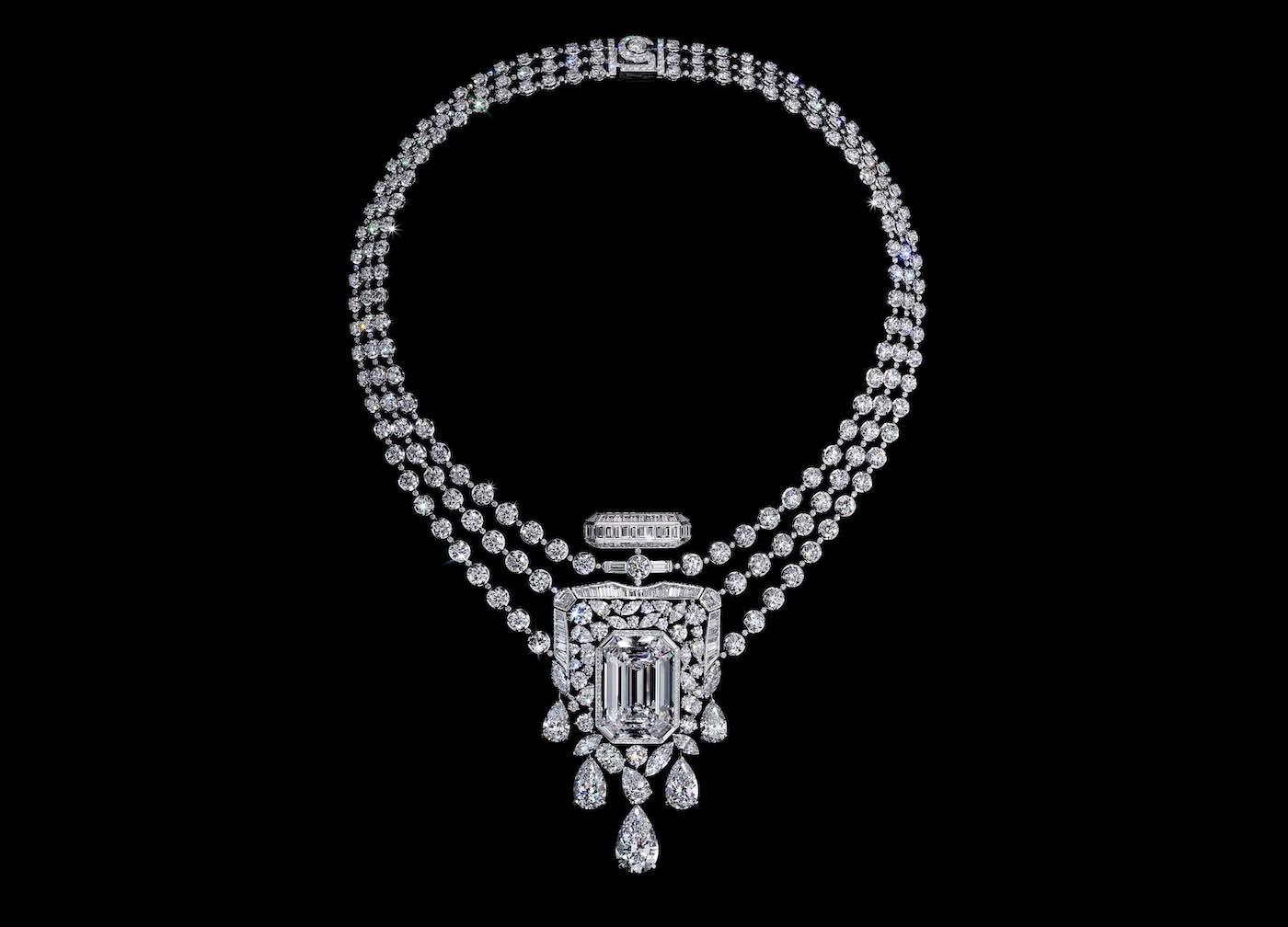 Chanel rinde homenaje al perfume N°5 con un collar de diamantes de 55,55 quilates