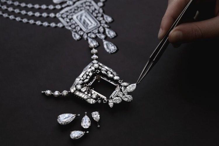 La colección contará con un total de 123 piezas en torno al collar.