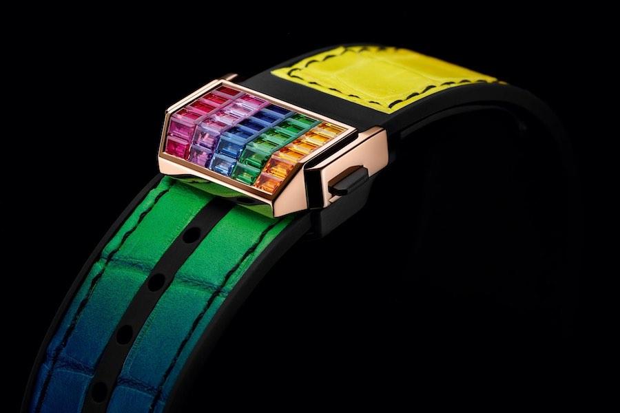 Un reloj de lujo con 290 piedras preciosas y oro de 24 quilates.