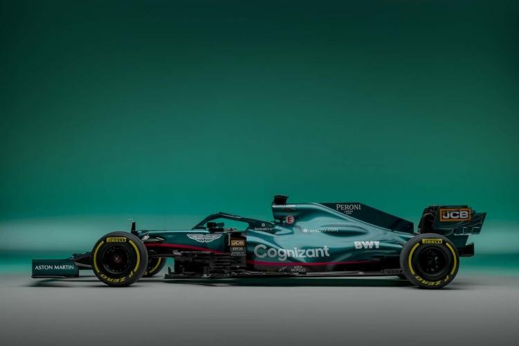 Coche de carreras F1 Aston Martin AMR21