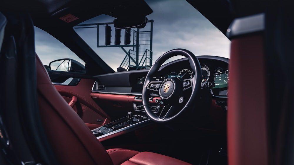 El Porsche 911 demuestra su versatilidad en una ruta por carretera diseñada para sacarle el máximo partido.