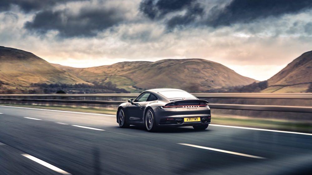 El Porsche 911 demuestra su versatilidad en una ruta por carretera diseñada para sacarle el máximo partido