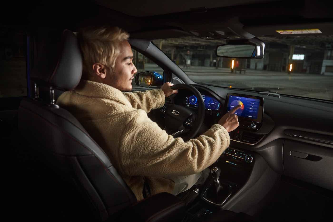 Ford y B&O Beosonic sonido perfecto en las yemas de tus dedos