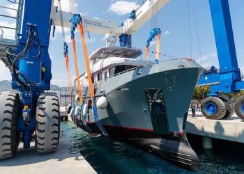 Yate explorador B77 Veronika fue lanzado en Antalia, Turquía