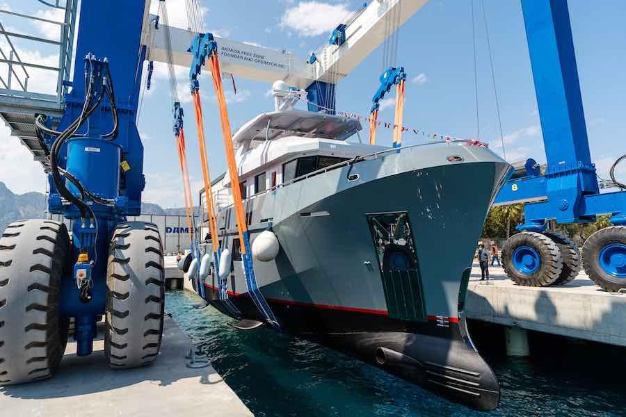 Este es el primero de los cuatro lanzamientos en la Zona Franca de Antalya previstos por Bering Yachts para 2021