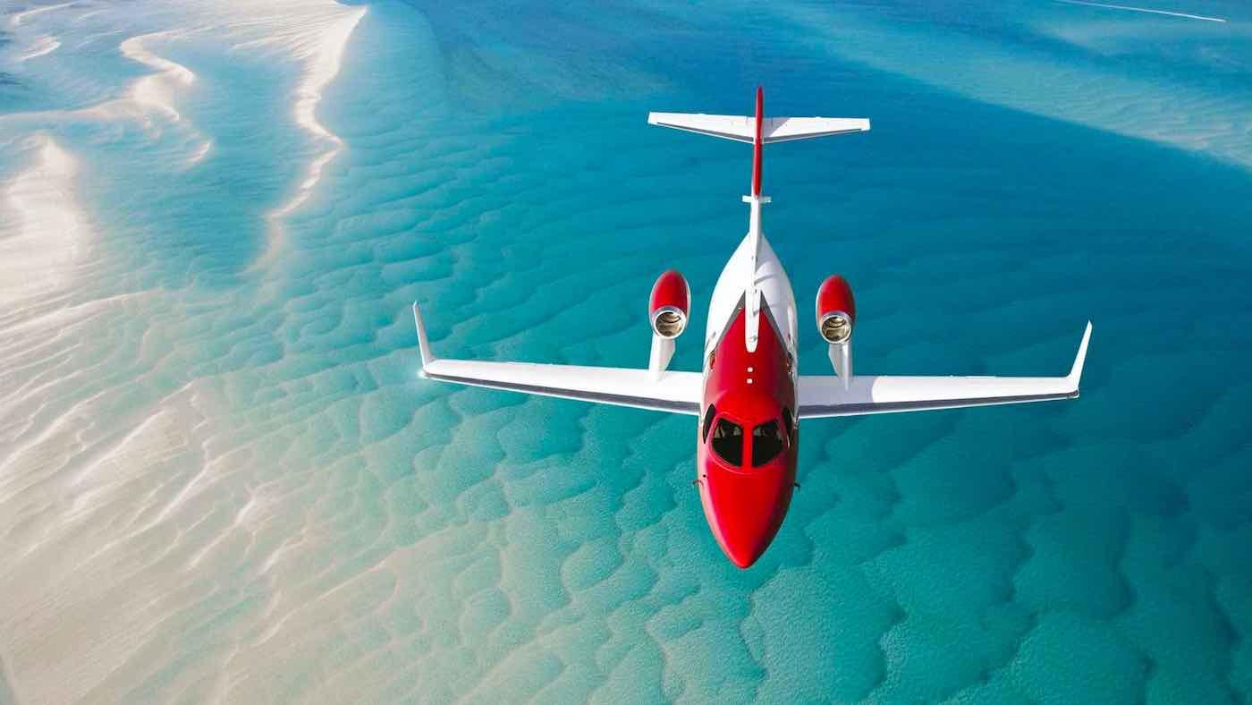 La aeronave tiene un peso máximo aumentado de 200 libras al despegue.