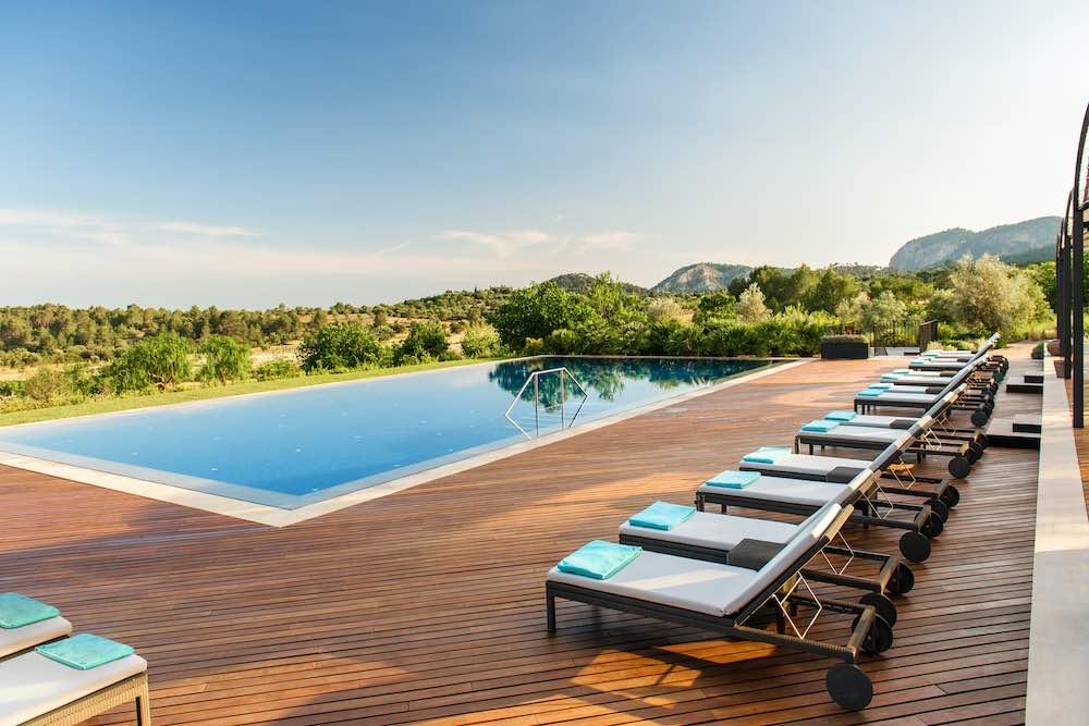Las piscinas de hotel más tentadoras del verano: Castell Son Claret