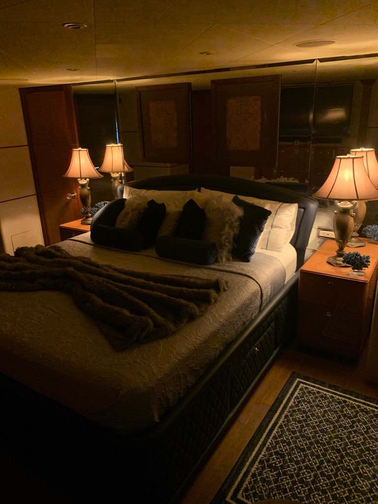 La embarcación cuenta con lujosas cabinas VIP.