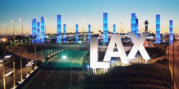 El Aeropuerto Internacional de Los Ángeles ofrece al público en general, la aplicación gratuita de las vacunas contra el COVID-19
