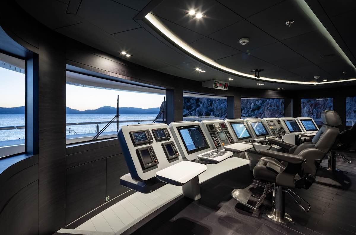 Suba a bordo del superyate O'PTASIA de 85 metros - Tour Virtual