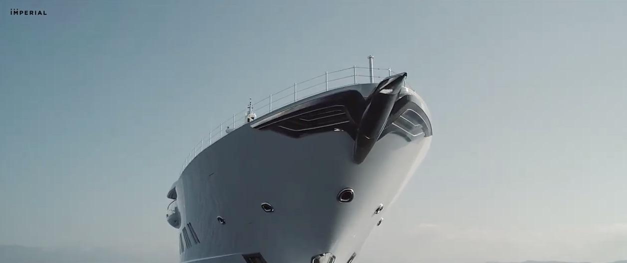 Construido con los más altos estándares en los astilleros Lürssen bajo la estricta y renombrada supervisión de Imperial Yachts.