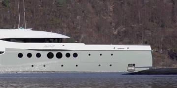 Superyate EVENT (60m) by Amels - Edición limitada de Imperial Yachts