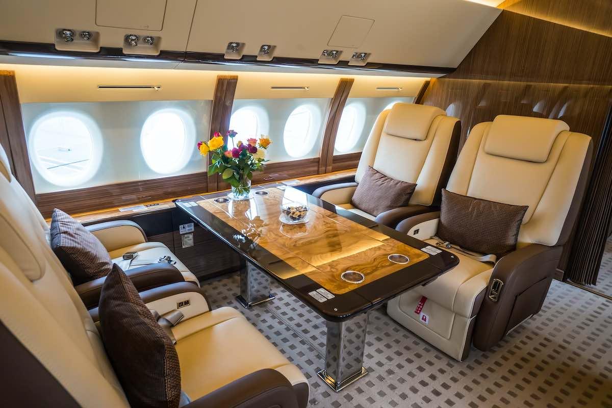 Conoce los flamantes aviones privados de Mark Cuban, incluyendo el increíble Boeing 757 de los Dallas Mavericks.
