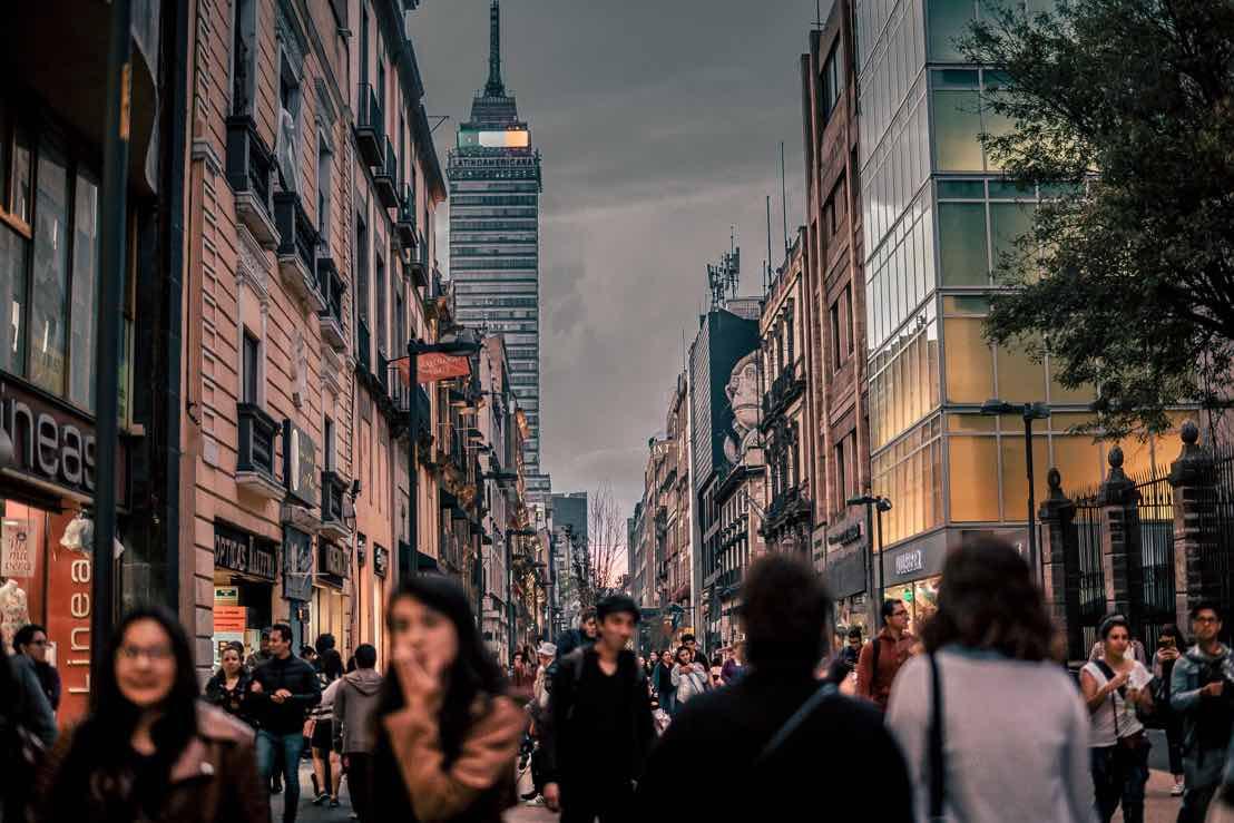 La Ciudad de México es la opción ideal gracias a su gran nivel de instalaciones, servicios avanzados como Wi-Fi de alta velocidad y un bajo costo de la vida.