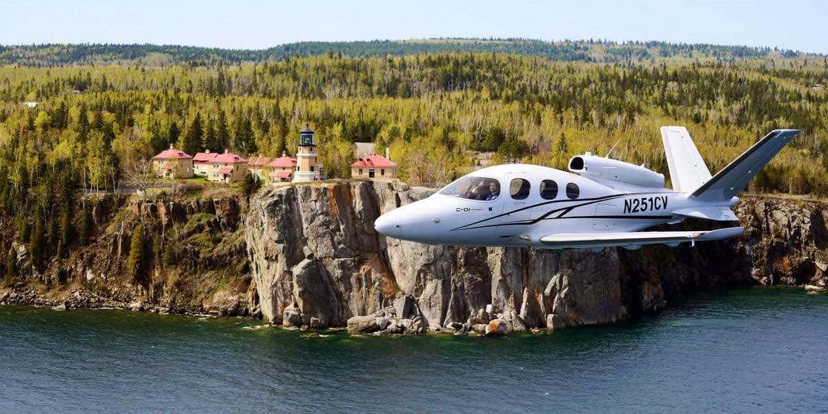 Las mejores aeronaves pequeñas que puedes comprar hoy: Cirrus Vision Jet SF50