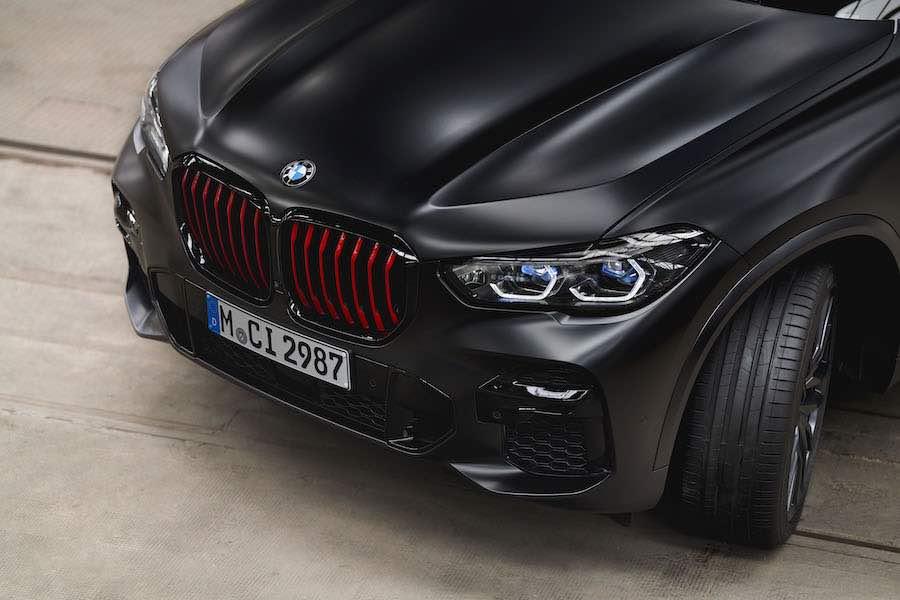 En 2021, el fabricante alemán estrena la edición limitada Black Vermilion (500 unidades cada uno; 60 y 30 para España respectivamente).