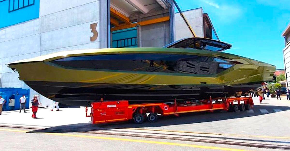yate Lamborghini Tecnomar