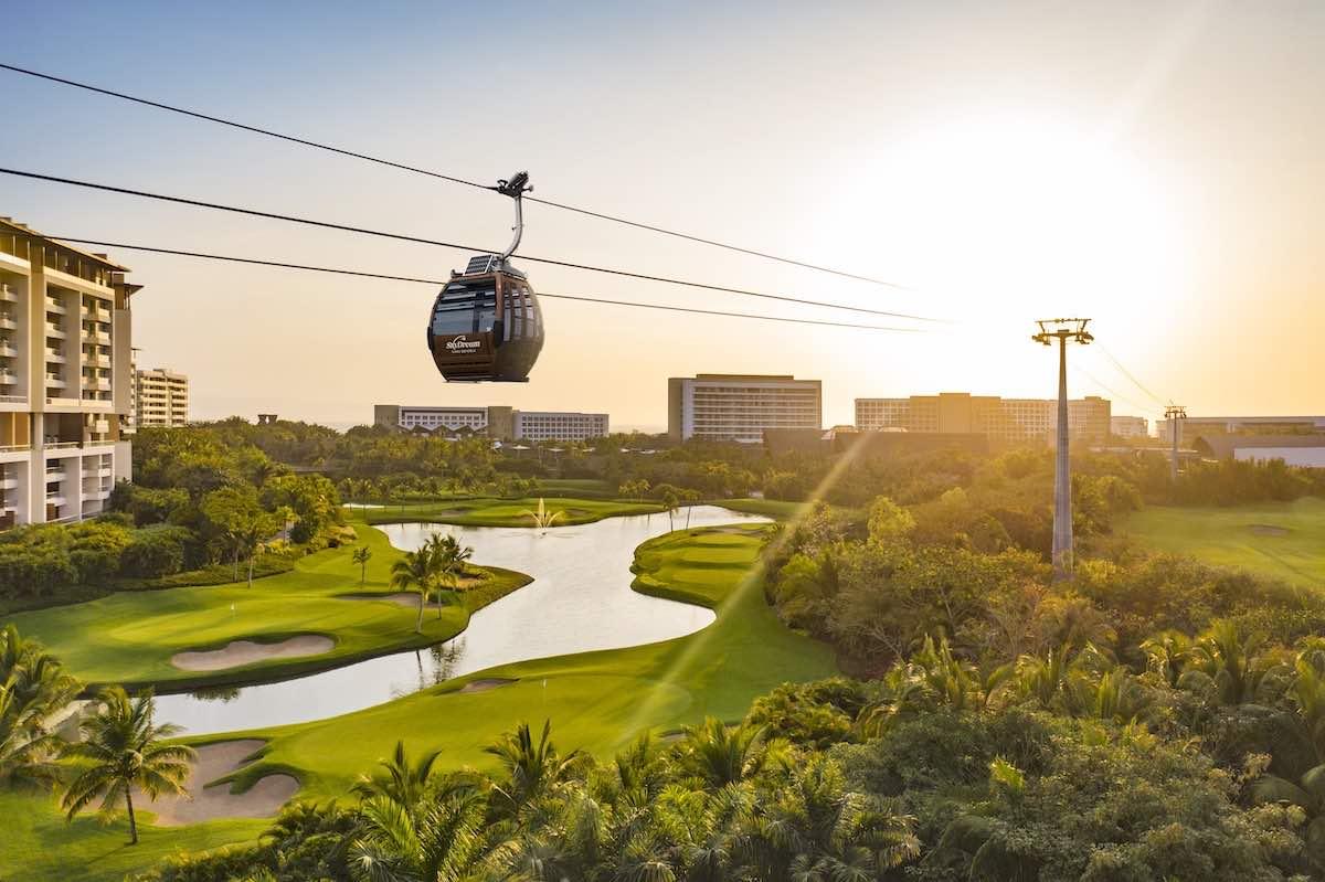 SkyDream Parks Gondola en Vidanta Nuevo Vallarta.