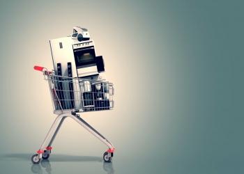 Electrodomésticos en el carrito de la compra. Comercio electrónico