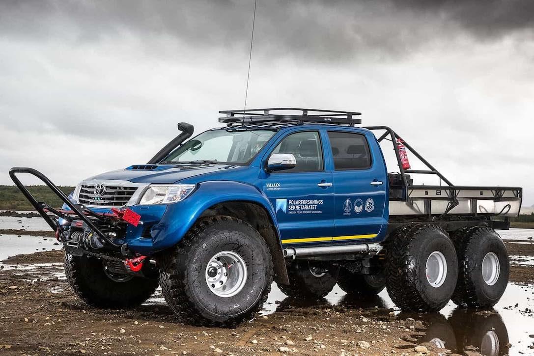 Arctic Trucks AT44