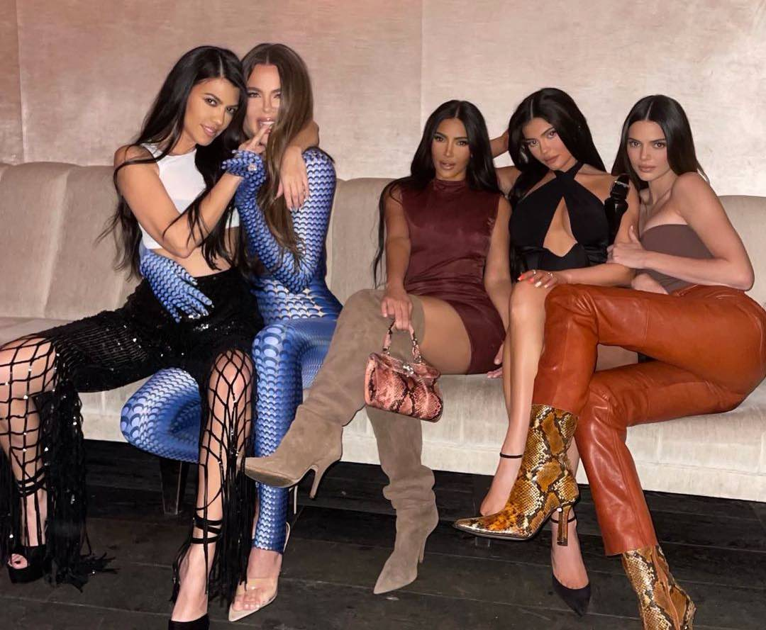 La colección de coches de las Kardashian en 2021 | TOP 25