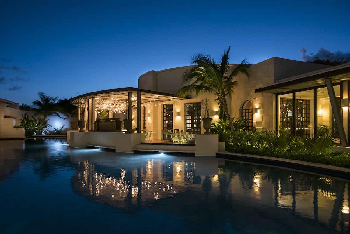 UNICO 20º87º Hotel Riviera Maya y Nobu Hotel Los Cabos han sido galardonados por los principales referentes de la industria turística alrededor del mundo