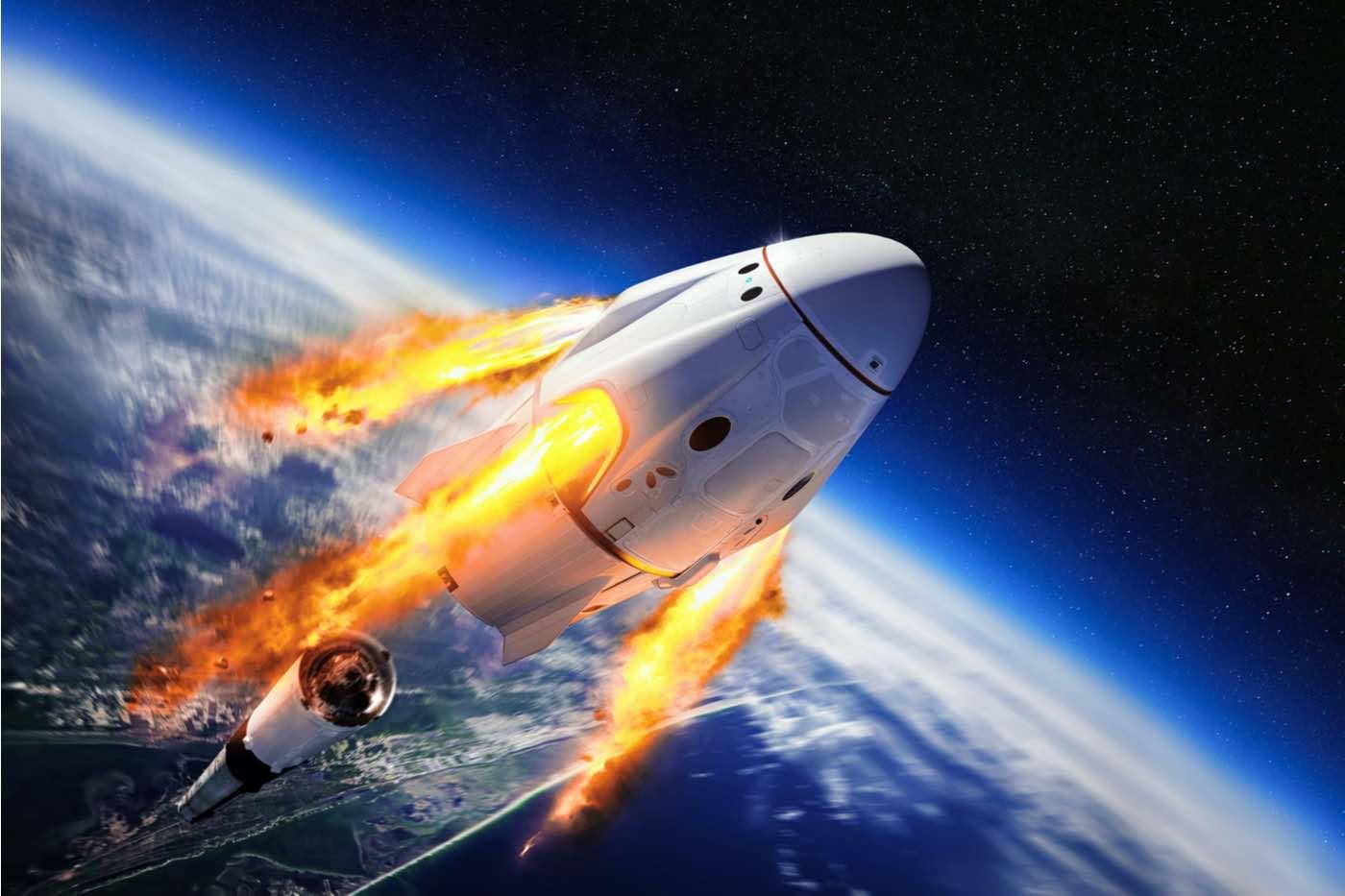 Elon Musk listo para lanzar tripulaciones de turistas civiles al espacio.