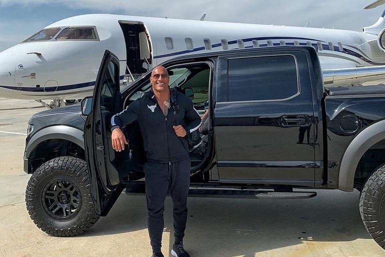 Dwyane La Roca Johnson le encanta hacer negocios en su jet privado