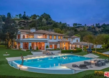 Sylvester Stallone reduce el precio de su mega mansión de Beverly Park, ahora a la venta por 80 millones de dólares